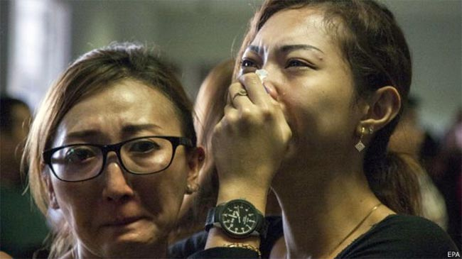 Family-and-friends-of-missing-flight-Passangers