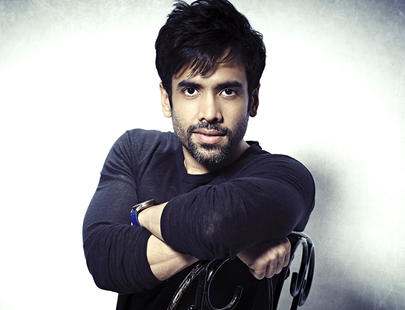 tushar kapoor became a father