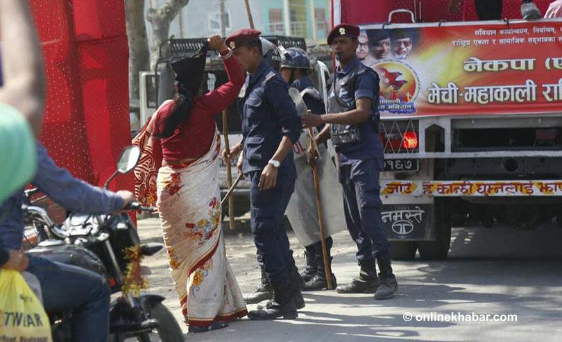 Mechi-Mahakali Campaign: Former lawmaker Yadav hurls her shoes at UML cavalcade